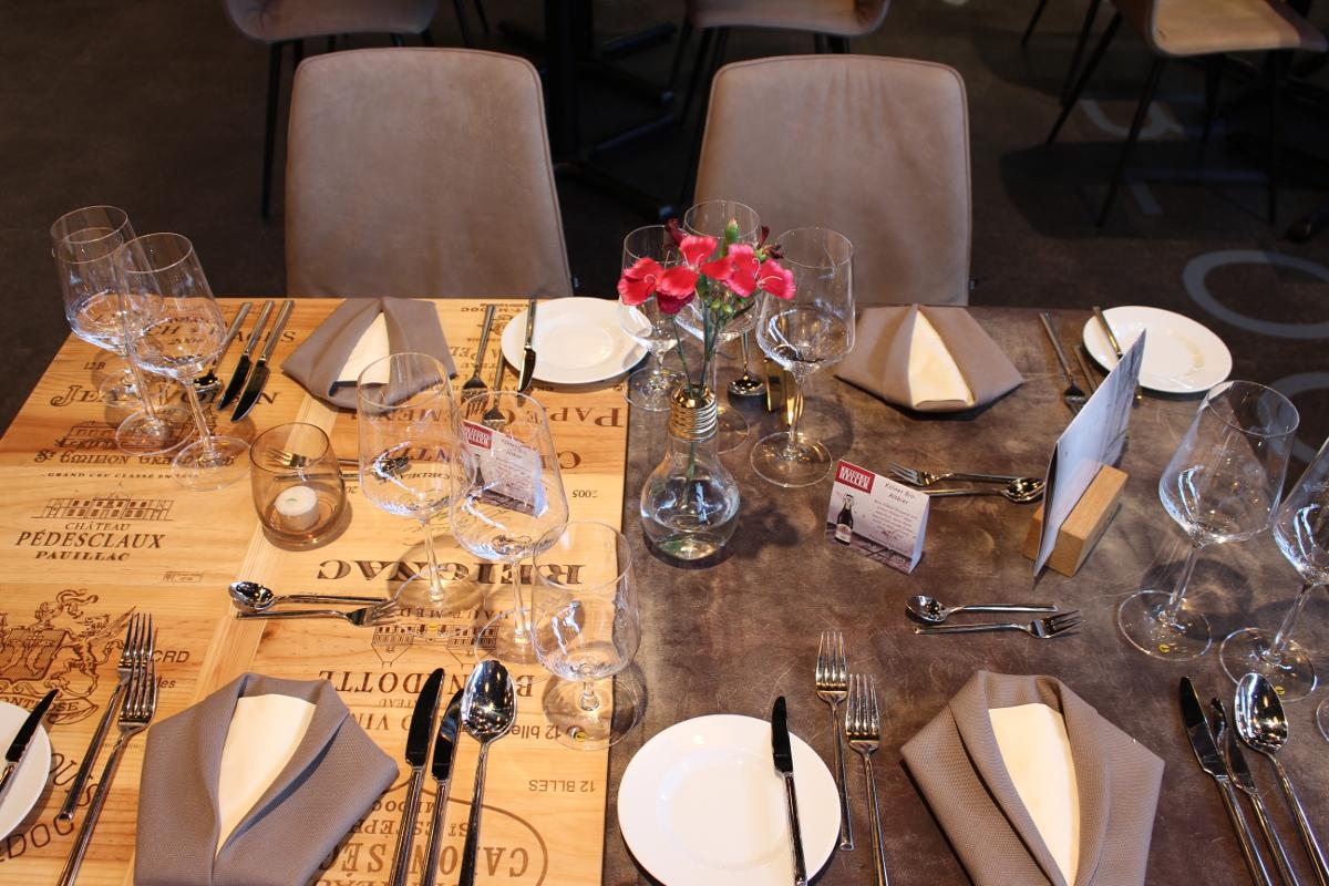 kulinarischer abend f r zwei sporthotel glockenspitze. Black Bedroom Furniture Sets. Home Design Ideas
